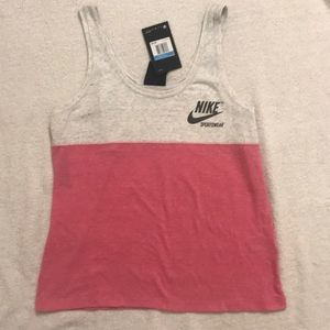 NIKE SIZE M NEW WITH TAGS SUPER CUTE TANK TOP